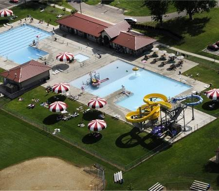 Hiawatha-Water-Park-pool-450x392